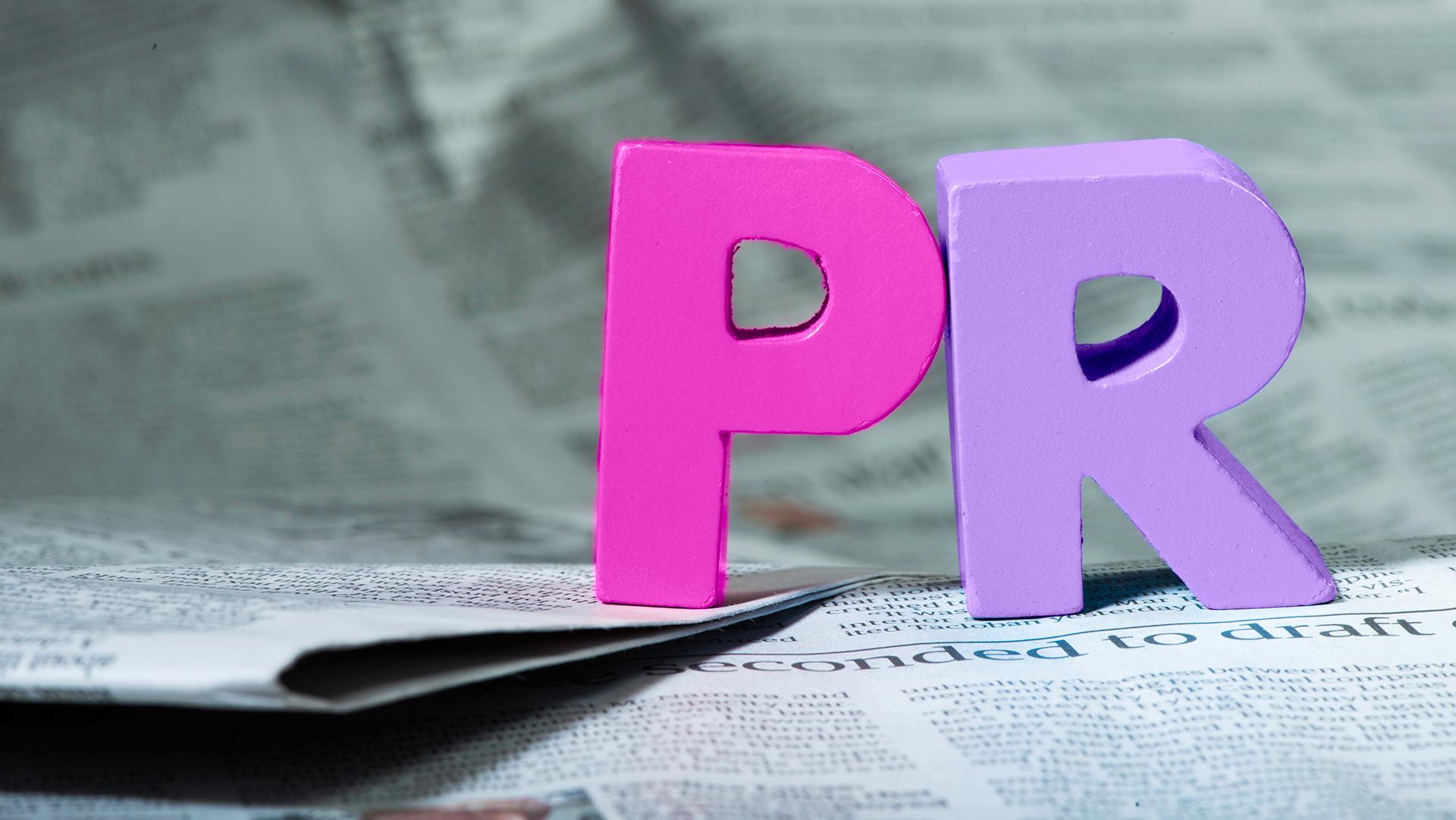 Skillnaden mellan marknadsföring och PR